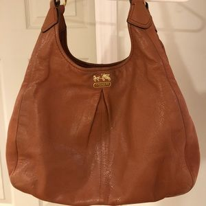 Pleated Coach hobo bag. 💼